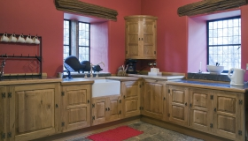 European Character Oak Kitchen